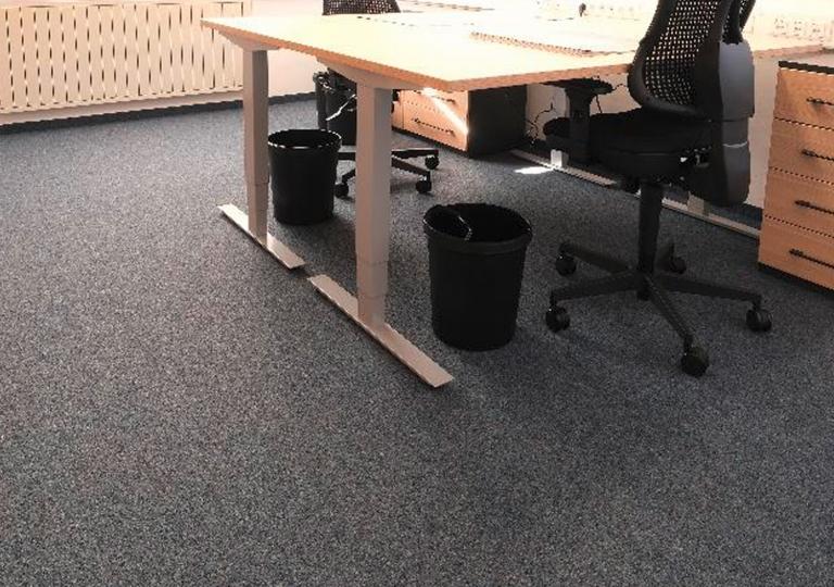 Nadelvlies Teppich in Büroumgebung